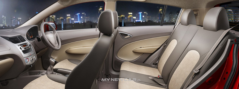sail_hatchback_interior_2
