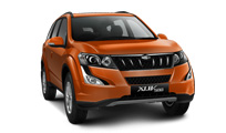 Mahindra XUV500 W8 AT